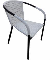 Ратанов стол в бяло